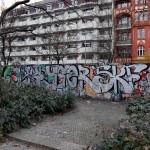Bundesplatz Ostseite mit Mauer