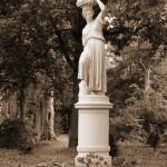 Flora die Winzerin in Sepia