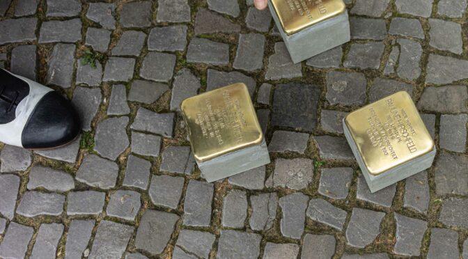 Stolpersteine am Bundesplatz verlegt